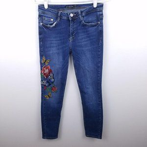 Zara Trafaluc Denimwear Denim Jeans Embroidered